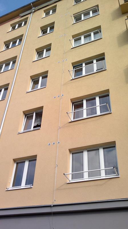 Ukázka balkónových věšáků Ostrava